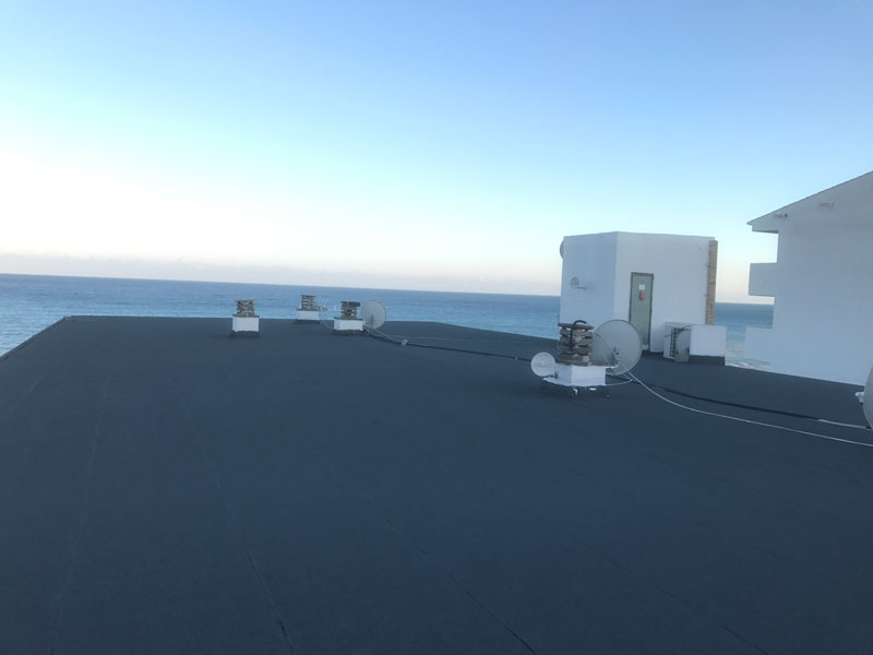 Trabajo de impermeabilización en terraza plana en Calpe